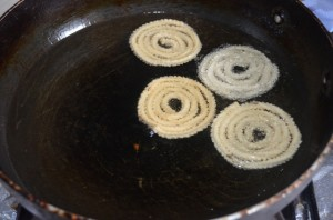 Mullu Murukku My Magic Pan